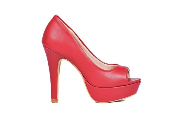 Loja virtual especializada em sapatos de numeração especial. Sapatos femininos adultos pequenos Trabalhamos com numerações 30, 31, 32, 33 e 34. Sapatos femininos pequenos. Numeração especialPeep Toe em couro ecológico vermelho , salto 12 cm com plata