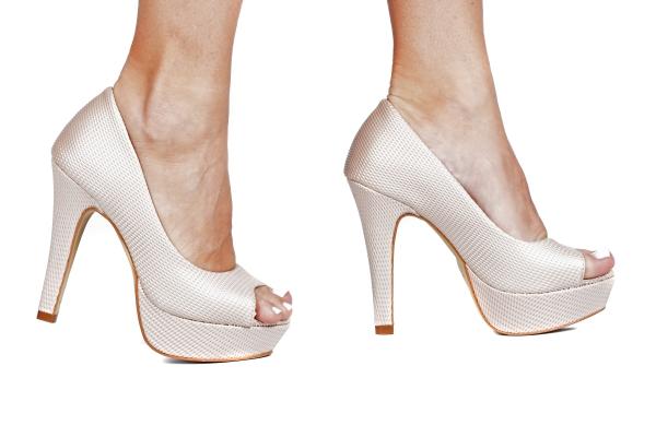 Loja virtual especializada em sapatos de numeração especial. Sapatos femininos adultos pequenos sapatos pequenos sapato especial calçados 30 31 32 33 Sapatos femininos pequenos. Numeração especialPeep toe em couro ecológico preto e interior revestido p