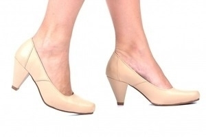 Sapato Fach. Bege