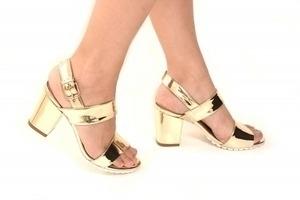 Sandália Tratorada Branca Specchio Ouro