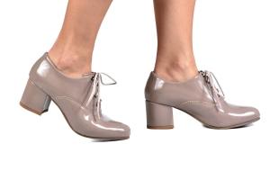Sapato Oxford Cadarço Verniz Fendi