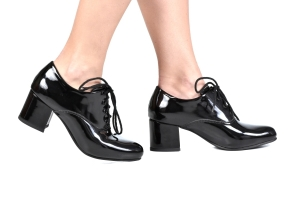 Sapato Oxford Cadarço Verniz Preto