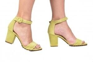 Sandália Tratorada Cam. Amarela