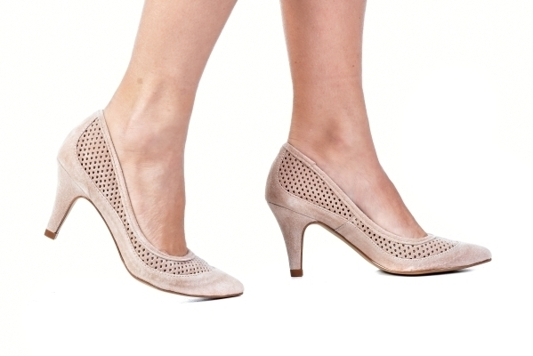 5ca5bb982 Loja virtual especializada em sapatos de numeração especial pequena. Sapatos  femininos adultos pequenos com acabamentos