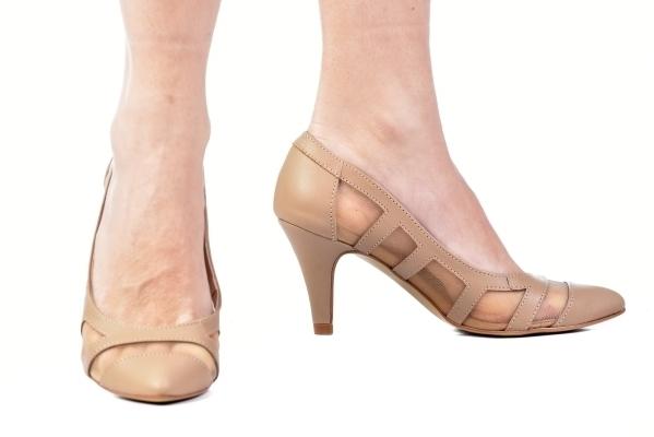 c18d2429b Scarpin Tela Bege. RB18035-1-11. Loja virtual especializada em sapatos de numeração  especial pequena. Sapatos femininos adultos ...