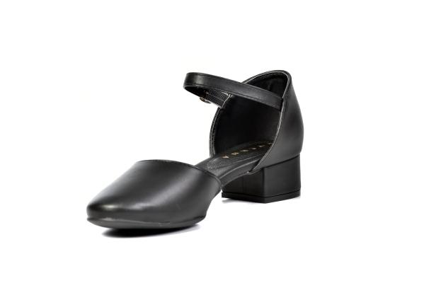 Loja virtual especializada em sapatos de numeração especial pequena. Sapatos femininos adultos pequenos com acabamentos diferenciados sapatos pequenos sapato especial calçados 30 31 32 33 Sapatos femininos pequenos. Numeração especial pequena Modelos exc