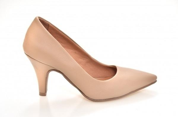 fc1273413 Scarpin Couro Bege. PMI01-1-11. Loja virtual especializada em calçados  femininos adultos de numeração especial ...
