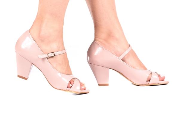Sapato Boneca Aberto Saltinho Preto - Tamanhos: 30 - 31