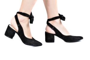 Sapato Nina Camurça Preta Salto Baixo
