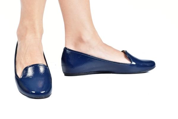 Sapatos femininos adultos pequenos com acabamentos diferenciados sapatos pequenos sapato especial calçados 30 31 32 33 Sapatos femininos pequenos. Numeração especial pequena Modelos exclusivos de sapatos Loja virtual especializada em sapatos de numeração