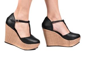 Sapato Anabela Tira Central Preto/Palha