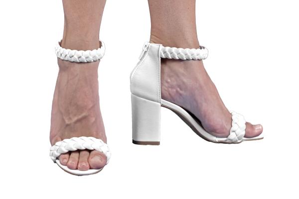 Sapatos femininos pequenos. Numeração especial pequena Modelos exclusivos de sapato