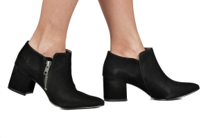 Ankle Boot Camurça Preta Salto Baixo Premium