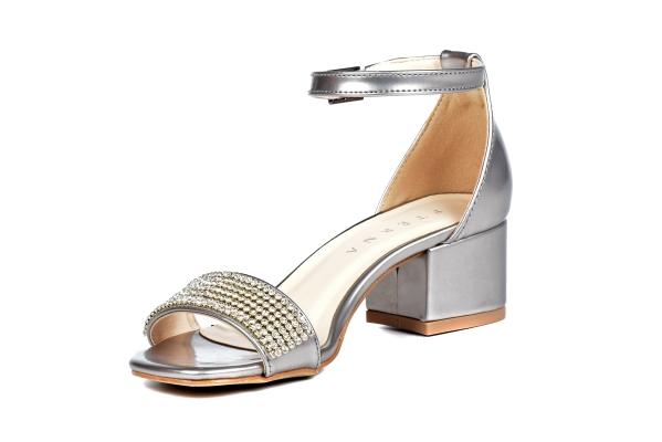 Loja virtual especializada em sapatos de numeração especial pequena. Sapatos femininos adultos pequenos com acabamentos diferenciados sapatos pequenos sapato especial calçados 30 31 32 33