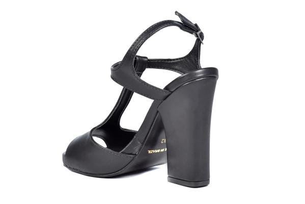 30 31 32 33 Sapatos femininos pequenos. Numeração especial pequena Modelos exclusivos de sapato