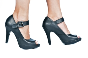 Peep Toe Mary Jane Preto