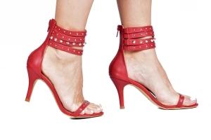 Sandália Tiras Spikes Vermelha