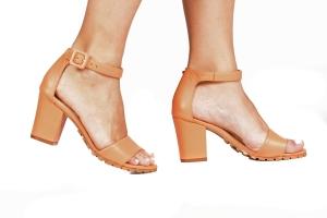 Sandália Tratorada Couro Laranja Premium