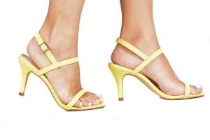 Sandália 2 Tiras Finas Amarela Média