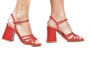 Sandália Bloco Diversas Tiras Vermelha