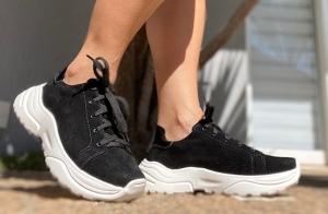 Sneaker Camurça Preta