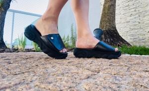 Chinelo Velcro Plataforma Preto Confort