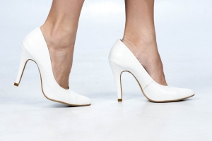 Scarpin Alto Clássico Croco Branco Premium