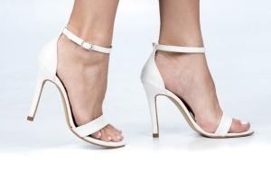 Sandália Gisele Alta Croco Branco Premium