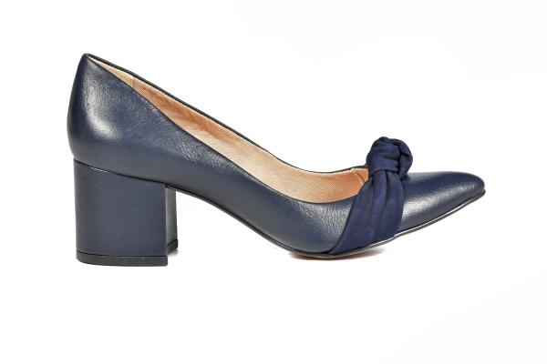 Loja virtual especializada em sapatos de numeração especial. Sapatos femininos adultos pequenos Trabalhamos com numerações 30, 31, 32, 33 e 34. Sapatos femininos pequenos. Numeração especialLinha Premium, com acabamentos e materiais diferenciados. Mo